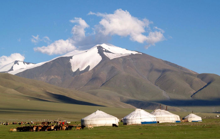 Tsambagarav national park is located in the province of bayan olgii, in the extreme west of mongolia